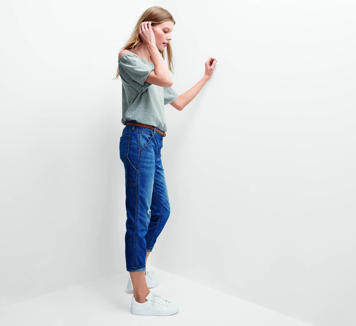 ALL JEANS 40% OFF AT GAP