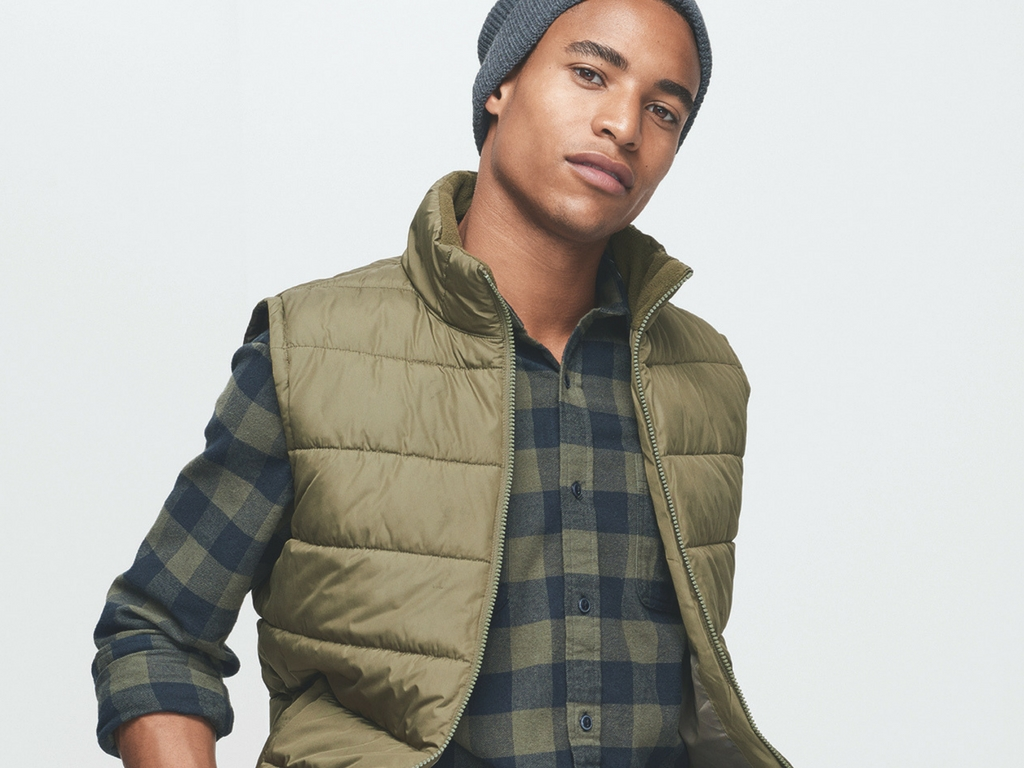 ENTIRE STORE 40% OFF AT GAP
