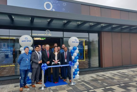 O2 arrives at Retail World